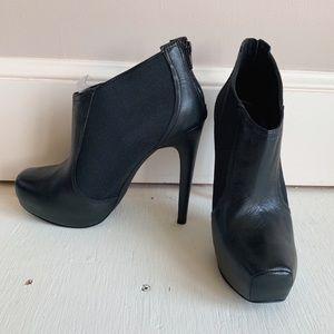 NIB Jessica Simpson Livia Black Leather Booties